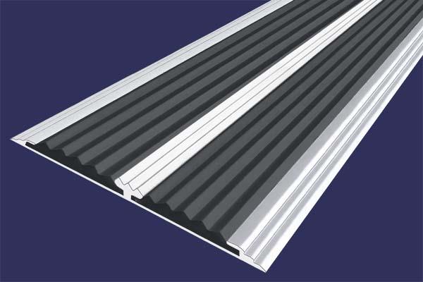 Алюминиевая анодированная накладная полоса цвета серебро с двумя вставками против скольжения