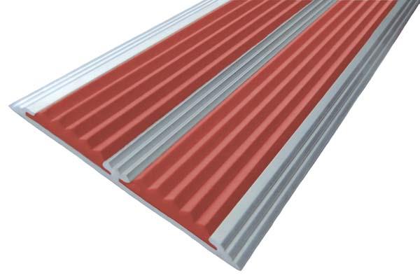 Алюминиевый накладной угол с двумя вставками красного цвета против скольжения