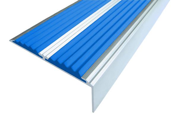 Алюминиевый накладной угол с двумя вставками синего цвета против скольжения