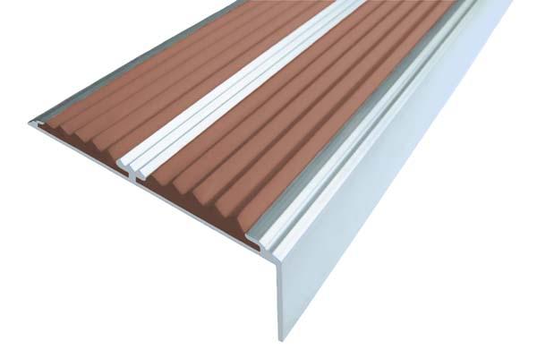 Алюминиевый накладной угол с двумя вставками коричневого цвета против скольжения