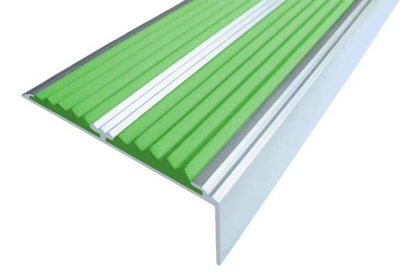 Алюминиевый накладной угол с двумя вставками зеленого цвета против скольжения